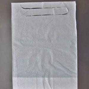 Babero plastificado blanco con cintas